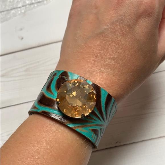 Jewelry - Leather cuff bracelet with amber stone